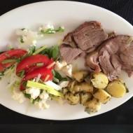 Lammesteg med kartofler og salat