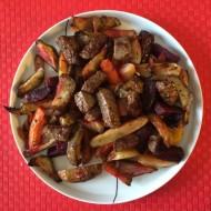 Bagte rodfrugter med skært oksekød